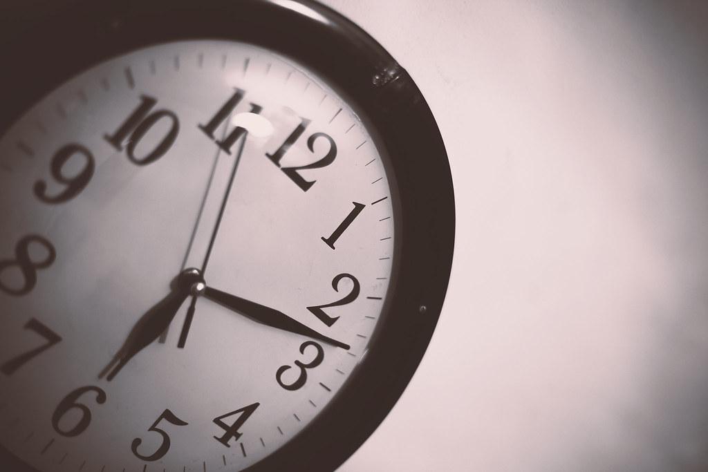 clock hands overlap quiz